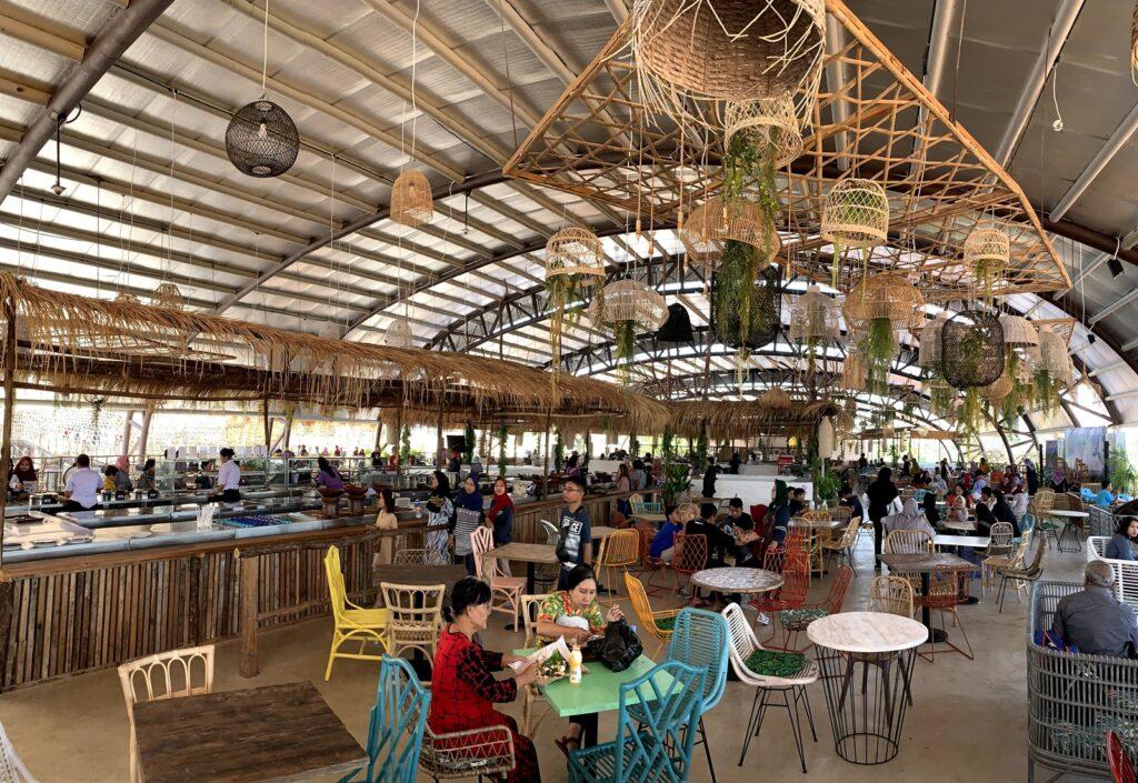 Beragam menu pilihan di Sepoi Sepoi Foodcourt