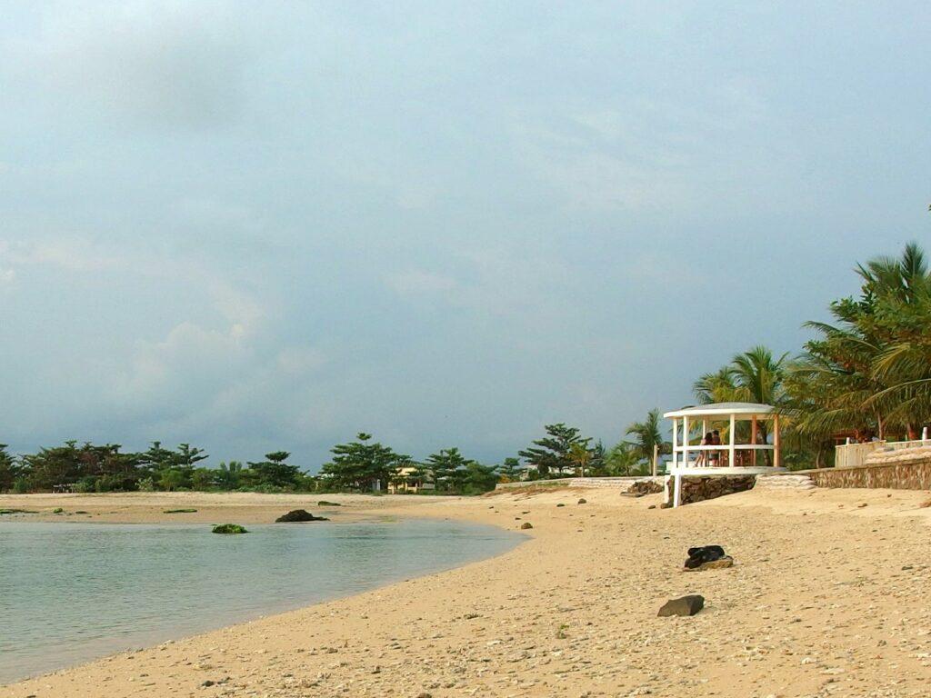 area tepi pantai ujung genteng