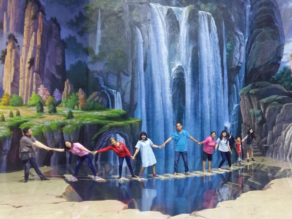 Museum 3D Bandung Amazing Art World tempat wisata di Bandung dengan berbagai lukisan 3D unik