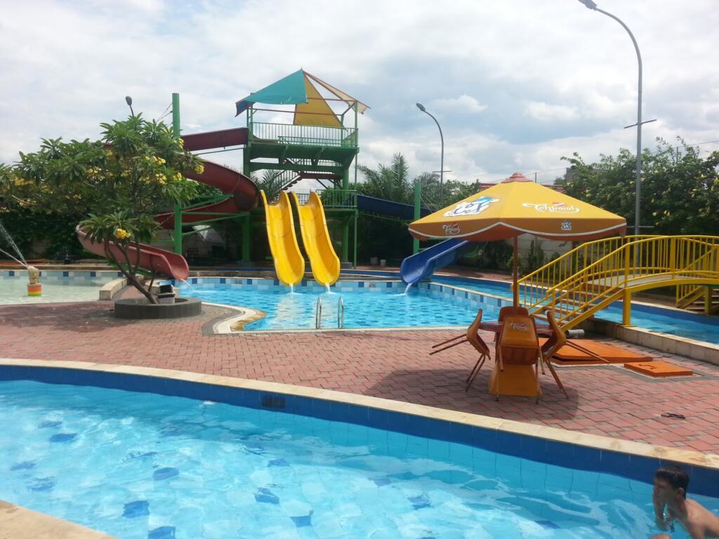 CX Waterpark tempat wisata di Jakarta menyediakan berbagai wahana air