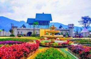 Taman bunga dan istana yang manis