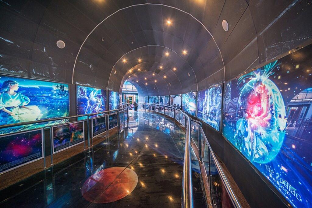 Lorong museum Planetarium Jakarta tempat wisata di jakarta bertema angkasa