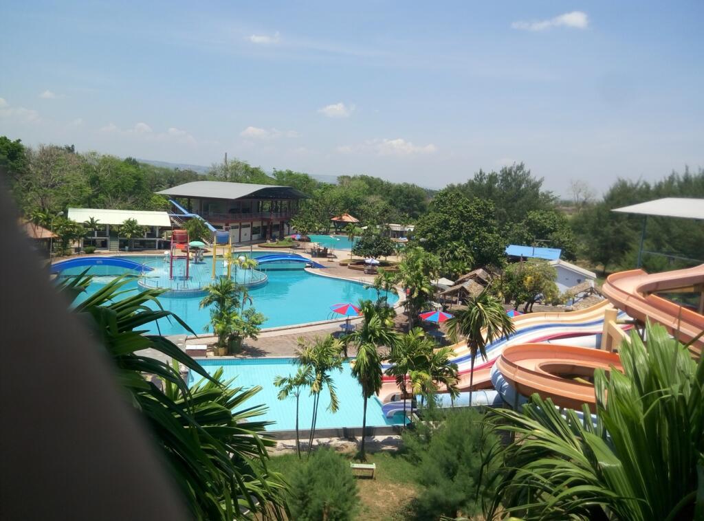 Taman Rekreasi Marina tempat wisata di Semarang bertemakan water park