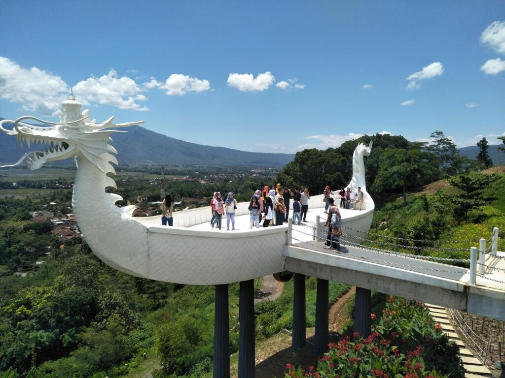 Eling Bening tempat wisata di semarang dengan area asri pegunungan