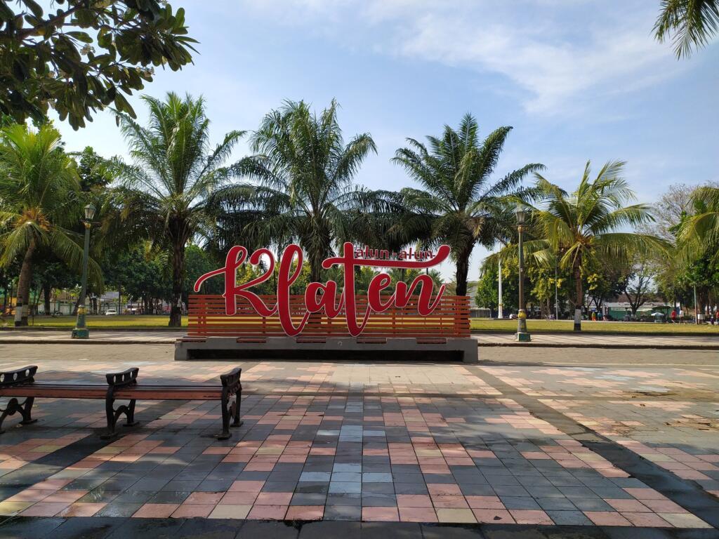 Spot Foto Alun-alun Klaten