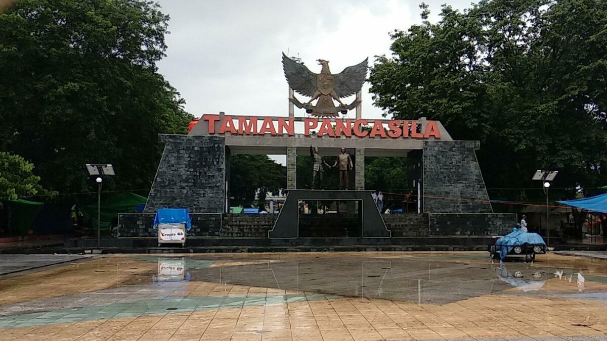 Taman Pancasila di Siang Hari