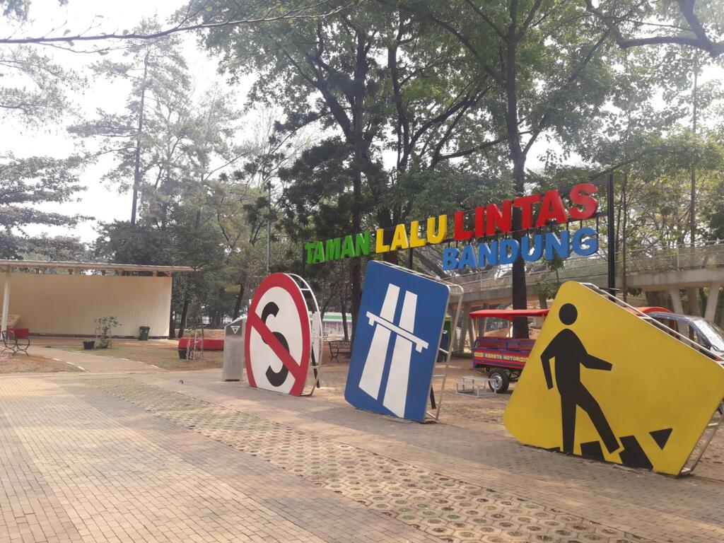 Taman Lalu Lintas tempat wisata di Bandung yang cocok untuk edukasi anak-anak