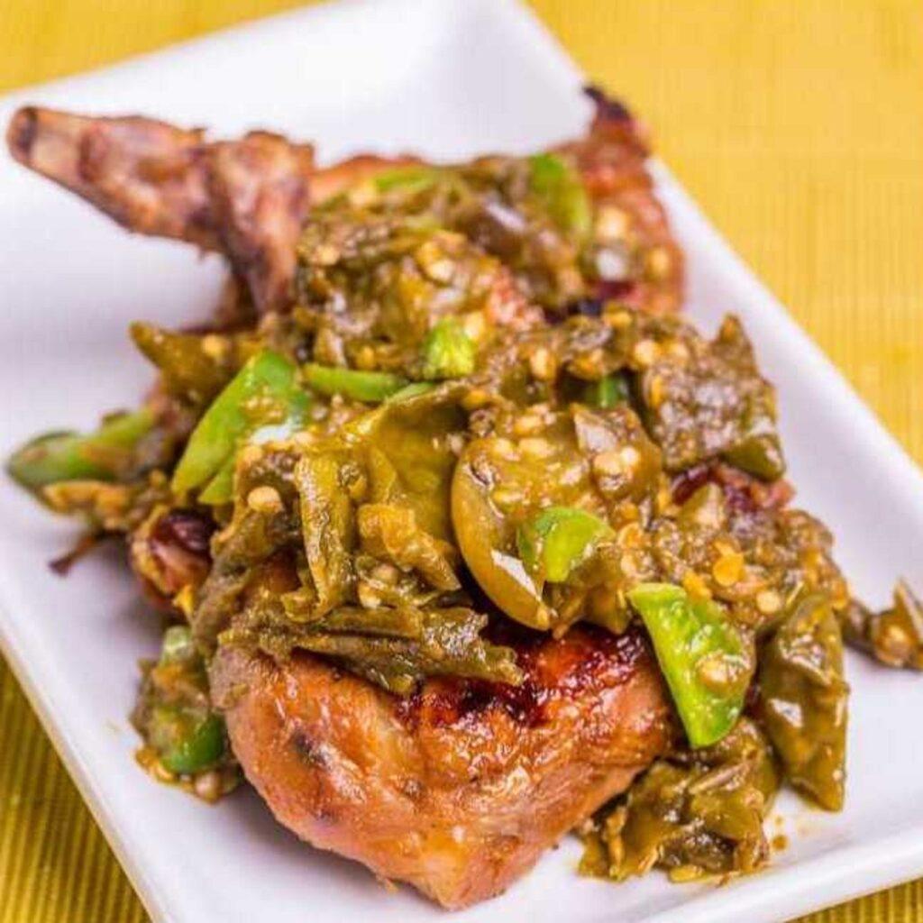 Ayam Cabe Ijo di Restoran Ayam Geprek Istimewa