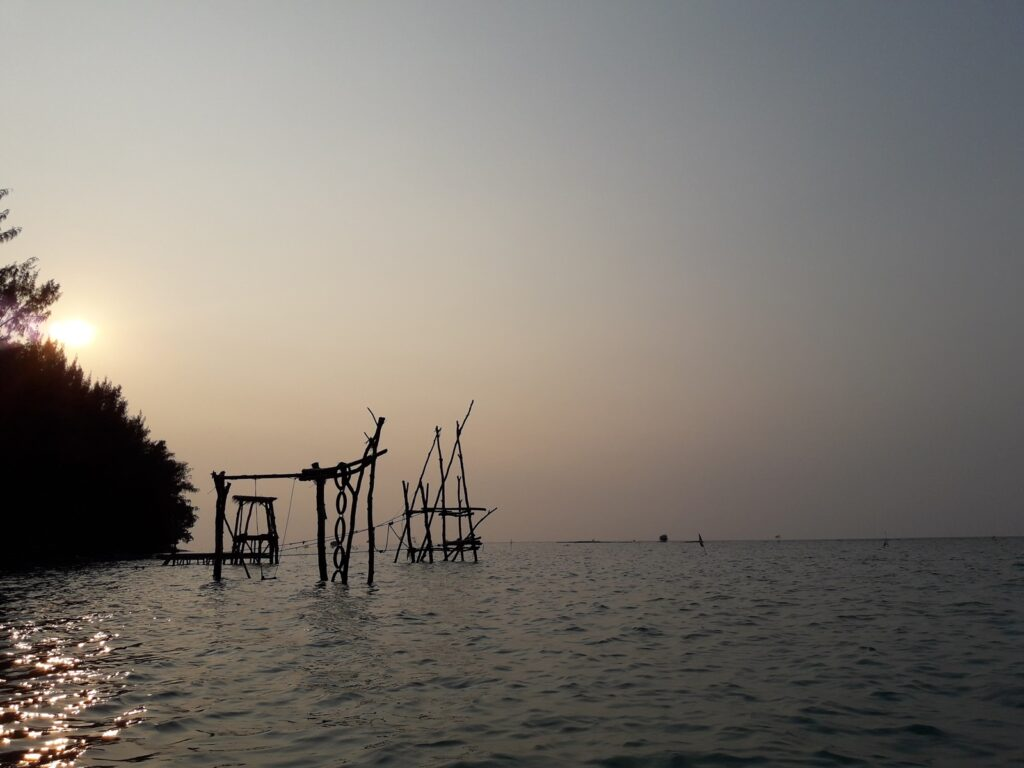 Menyongsong sore di Pantai Saung Cemara Kasih pulau tidung