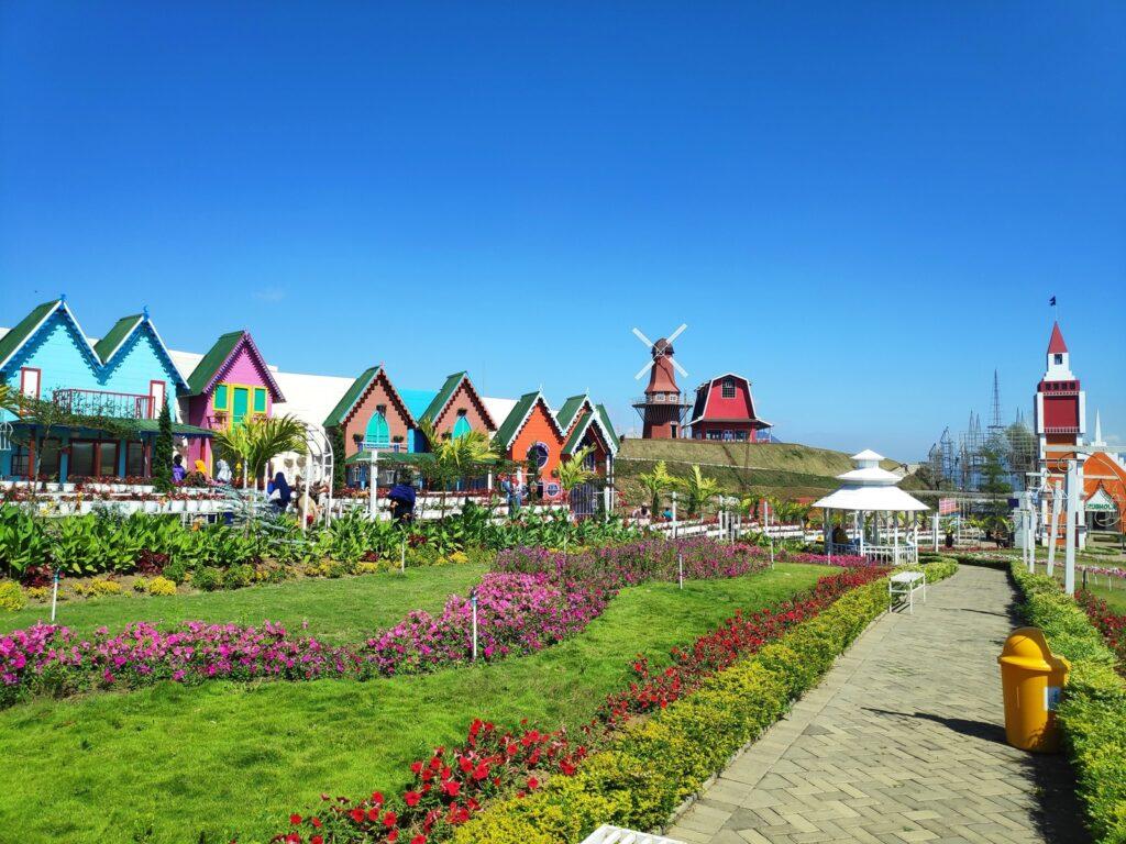 Tempat wisata di Malang bertema desa ala negeri Belanda