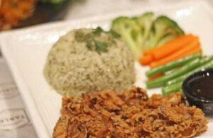 Chicken Fry Steak on Rice di Restoran Imperial Tables