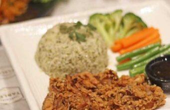 Chicken Fry Steak on Rice di Restoran Imperial Tables