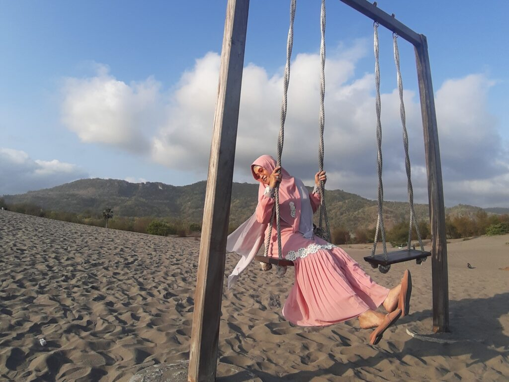 Swafoto di tengah padang pasir