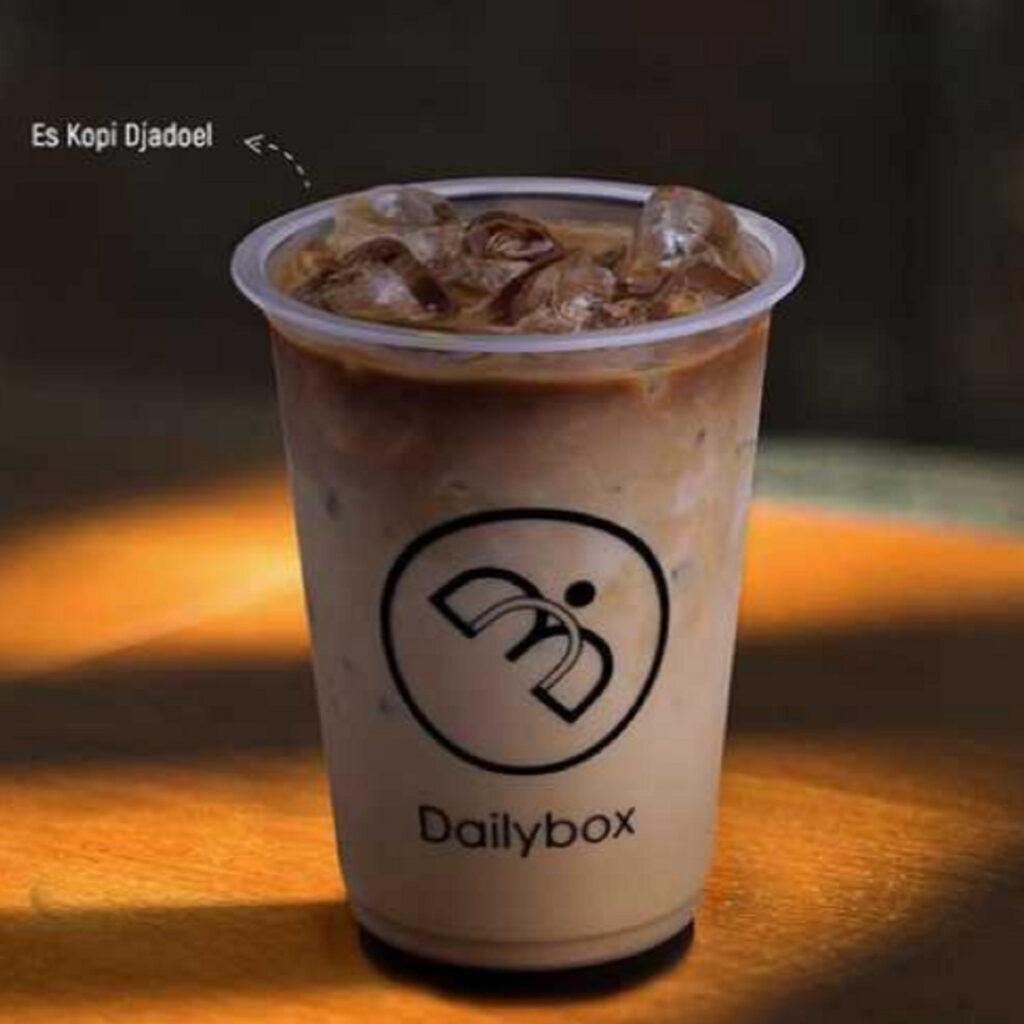 Menu minuman Dailybox Es Kopi Djadoel