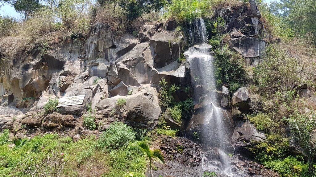 salah satu air terjun di Coban Putri