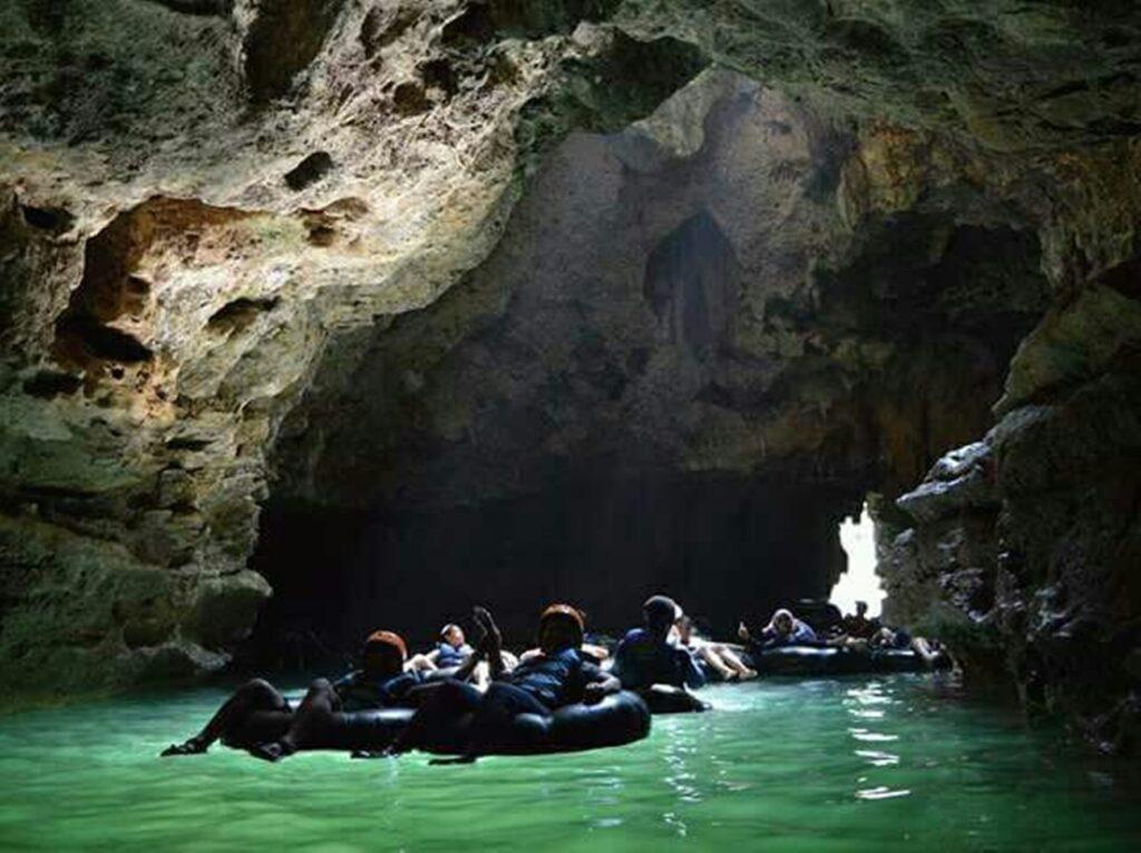 Cave tubing Goa Pindul Tempat wisata di Jogja penuh tantangan