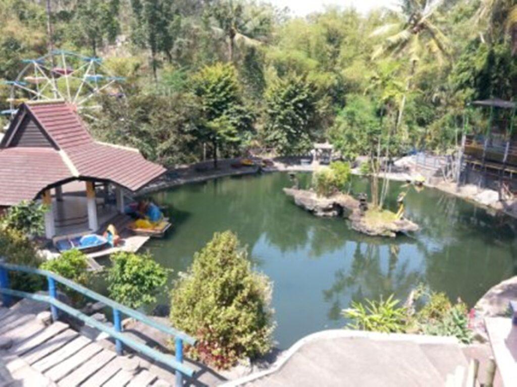 Taman Wisata Tlogomas