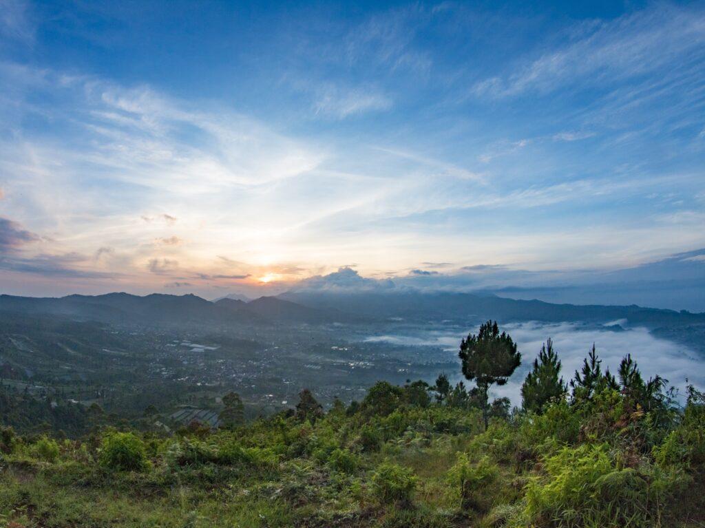 Gunung Putri tempat wisata di Lembang yang cocok bagi pecinta alam