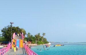 Spot favorit wisatawan di jembatan cinta Pulau Tidung