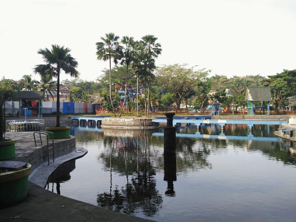 Salah satu kolam di Taman Wisata Wendit