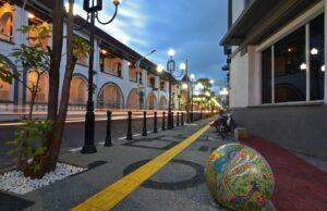 Senja yang Romantis di Kota Lama Semarang.
