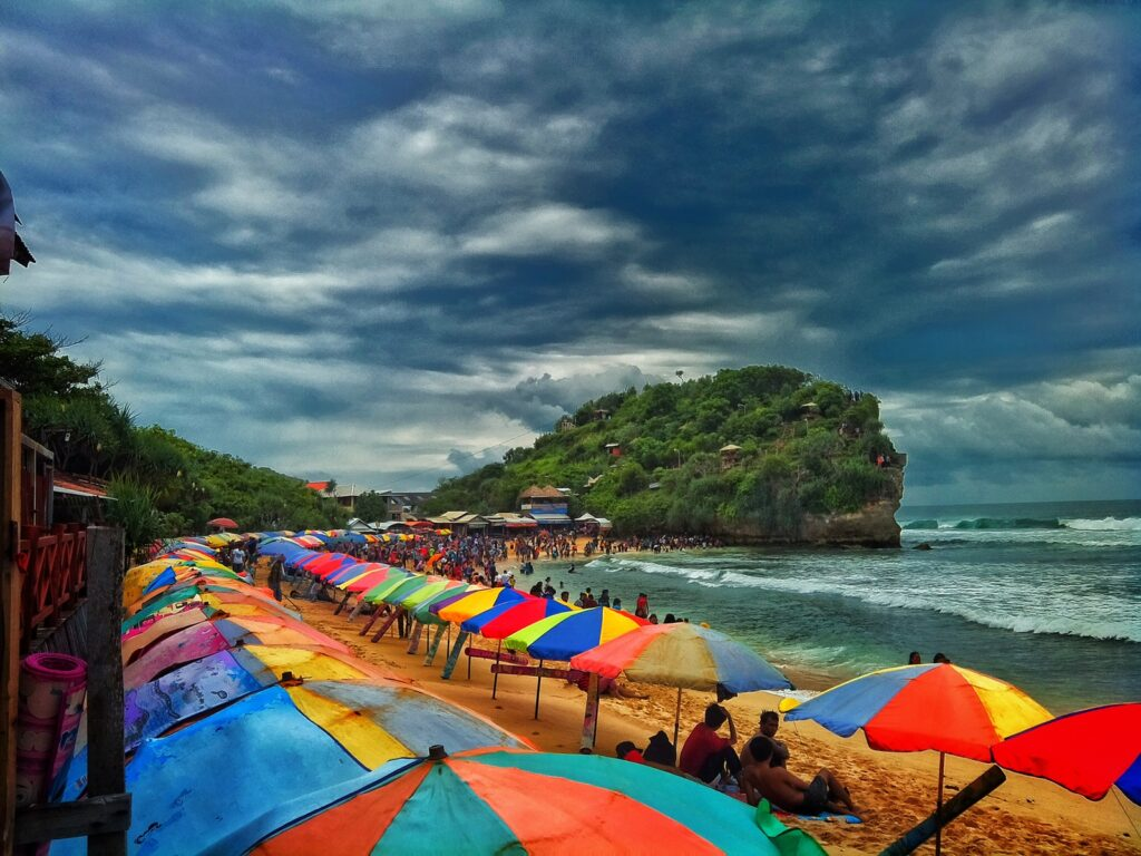 Pantai Indrayanti Tempat wisata di Jogja dengan pasir putih
