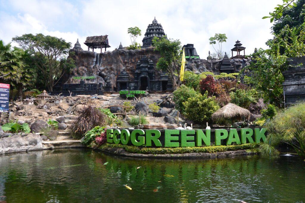 taman edukasi margasatwa Eco Green Park