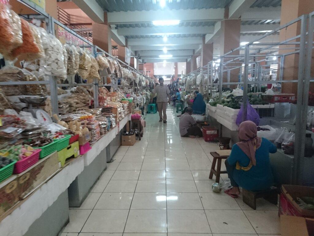 Lorong Pusat Kuliner Pasar Klewer