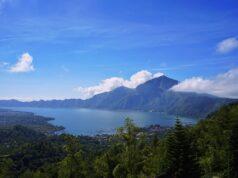 Pemandangan Danau Batur dari Puncak