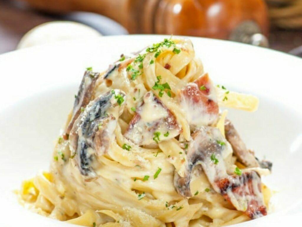 Spaghetti Carbonara Happy Day