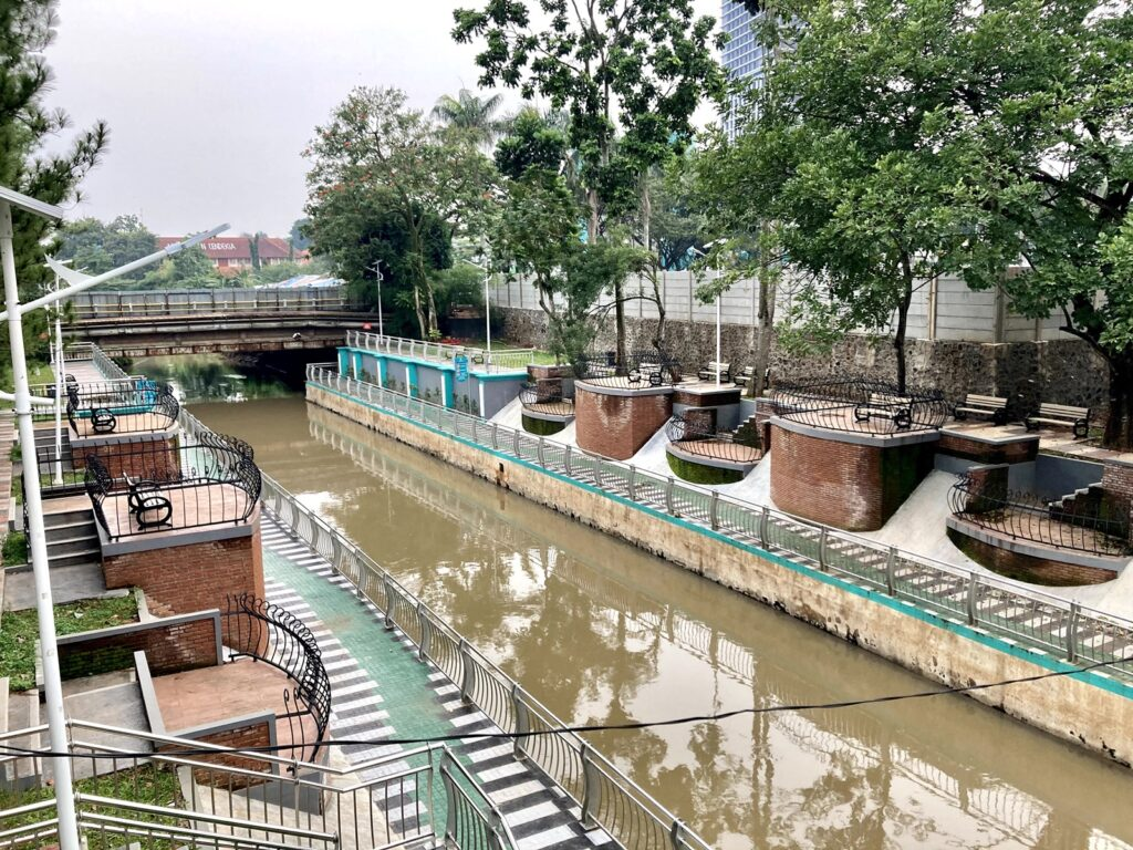 Promenade Jaletreng Riverpark