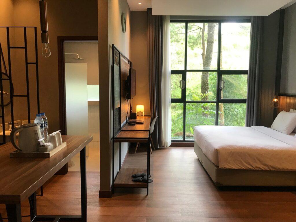 Salah satu kamar di Horison Green Forest Bandung