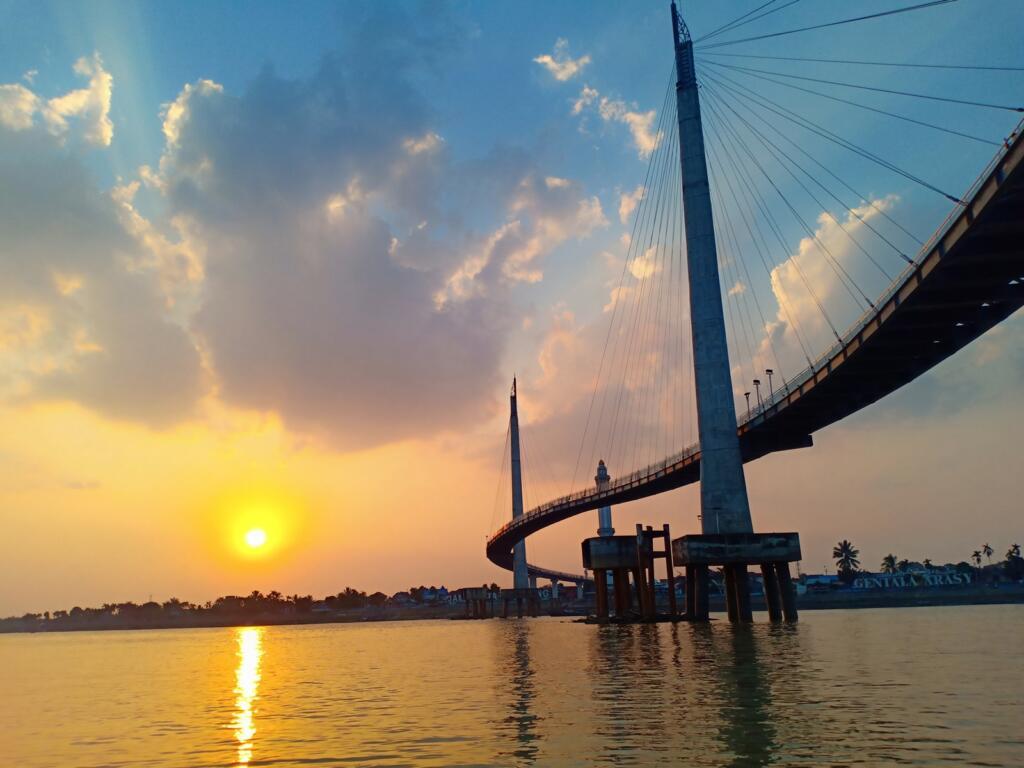 Sunset Jembatan Gentala Arasy