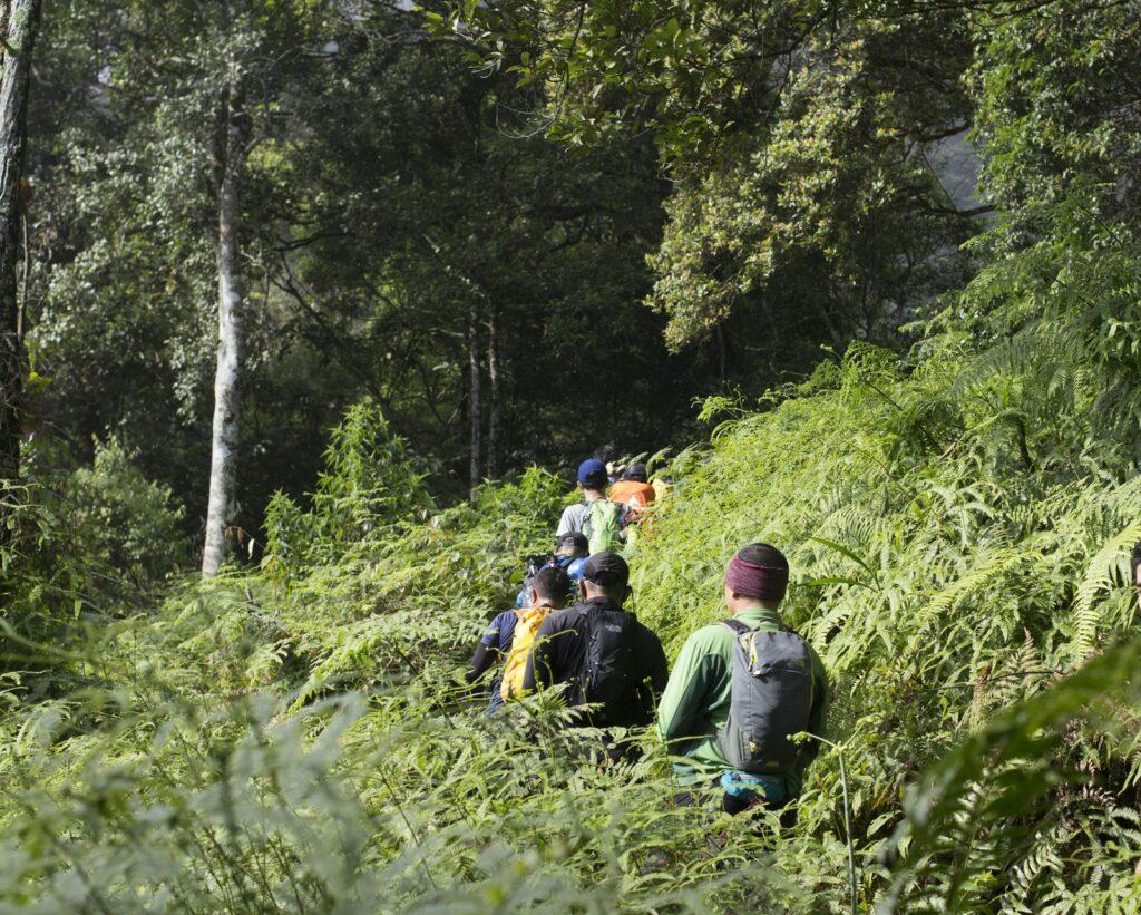 Wisatawan diajak menyusuri lembah-lembah