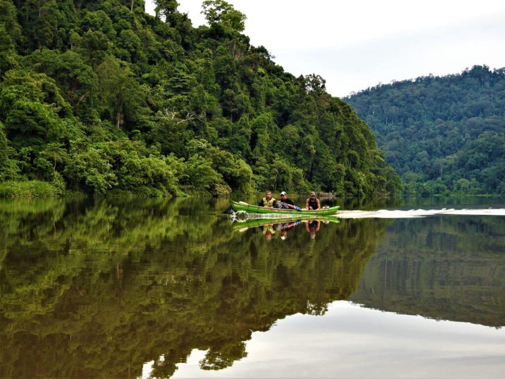 Jernihnya Danau Laut Bangko