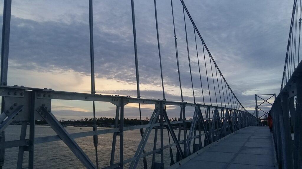 Jembatan penghubung Pulau Balai dan Pulau Ujung Batu