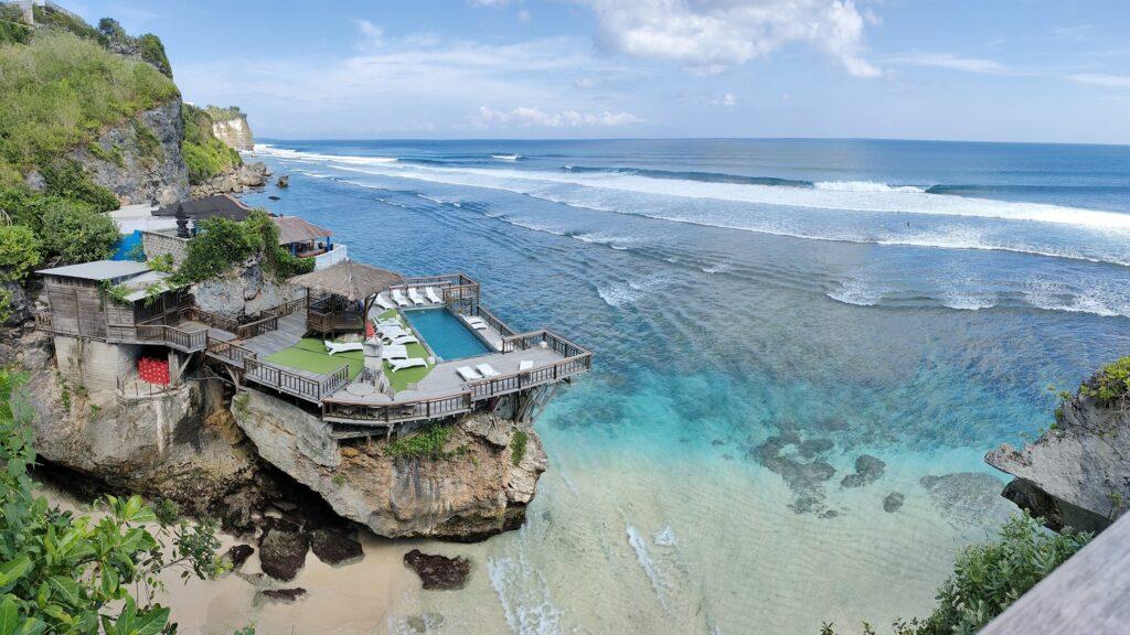 Panorama laut di Pantai Suluban