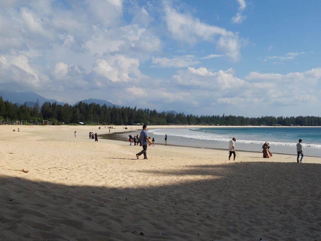 Pantai cantik di Aceh BEsar
