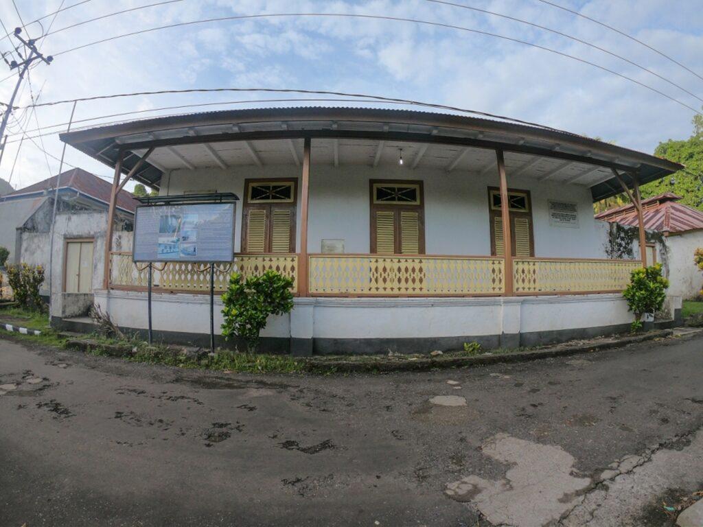 Salah satu rumah pengasingan