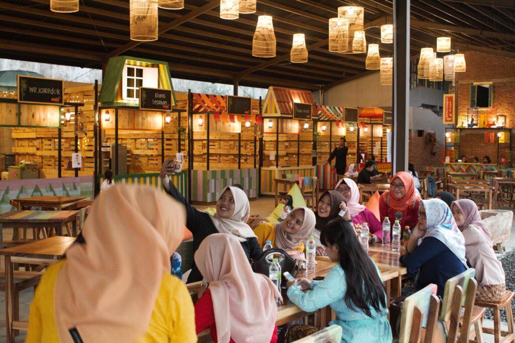 Driam Foodmarket tempat makan yang asyik