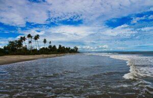 Pantai Pasia Tiku