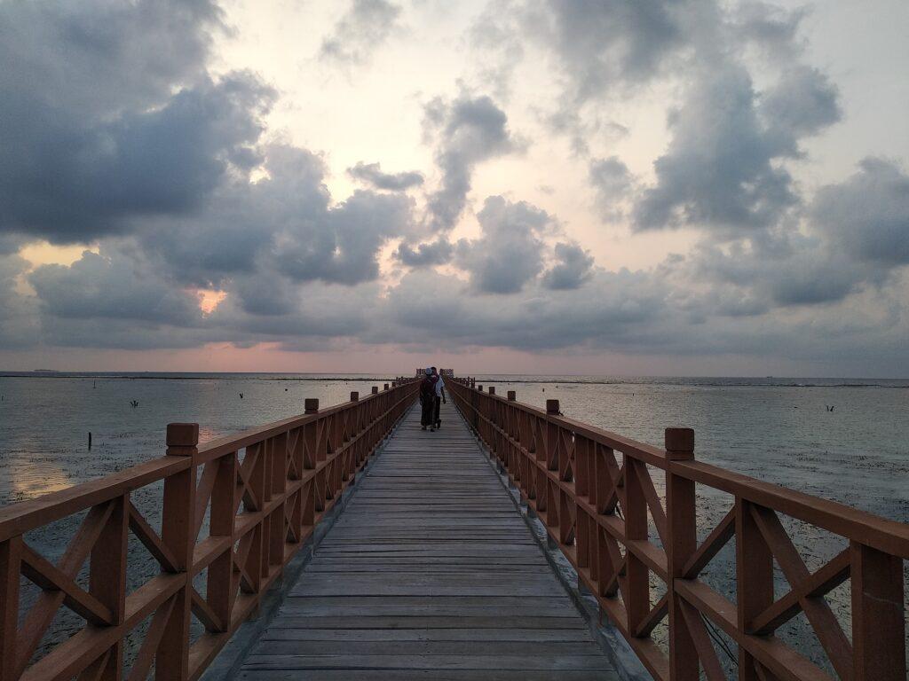 Menikmati Senja di Pulau Pramuka