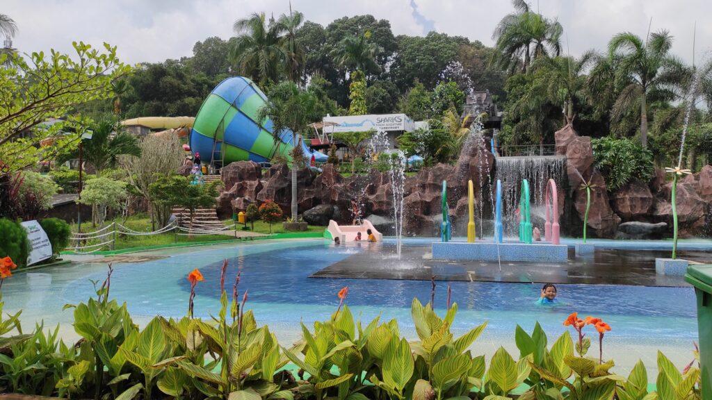 Kolam renang anak dan waterpark sparks forest adventure