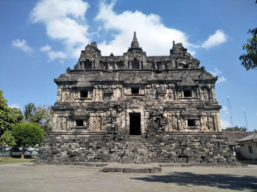 Candi Sari Sleman Yogyakarta