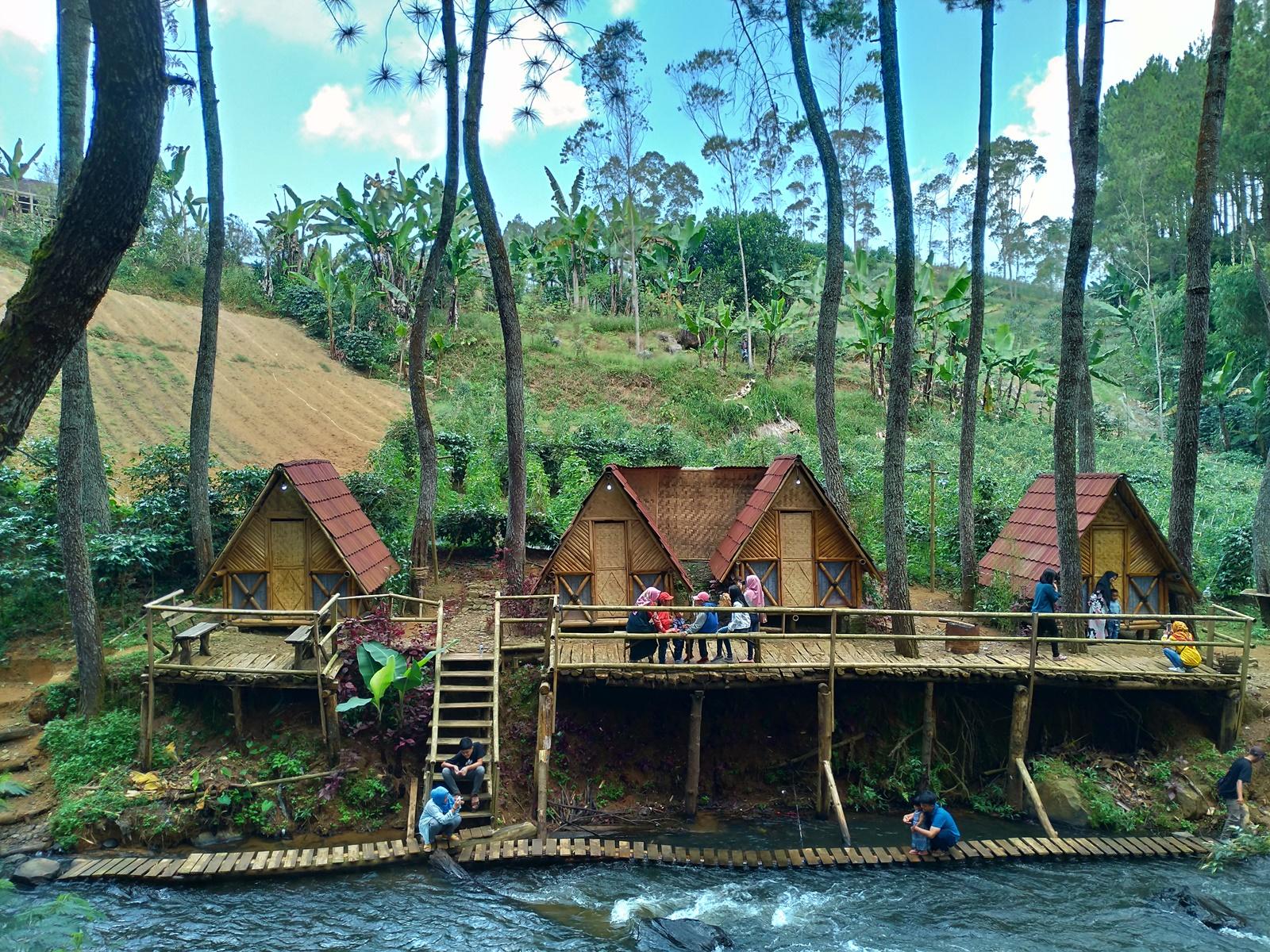 Penginapan Wisata Kampung Singkur