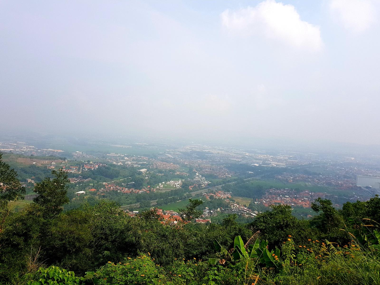 Kota Cimahi tampak dari puncak