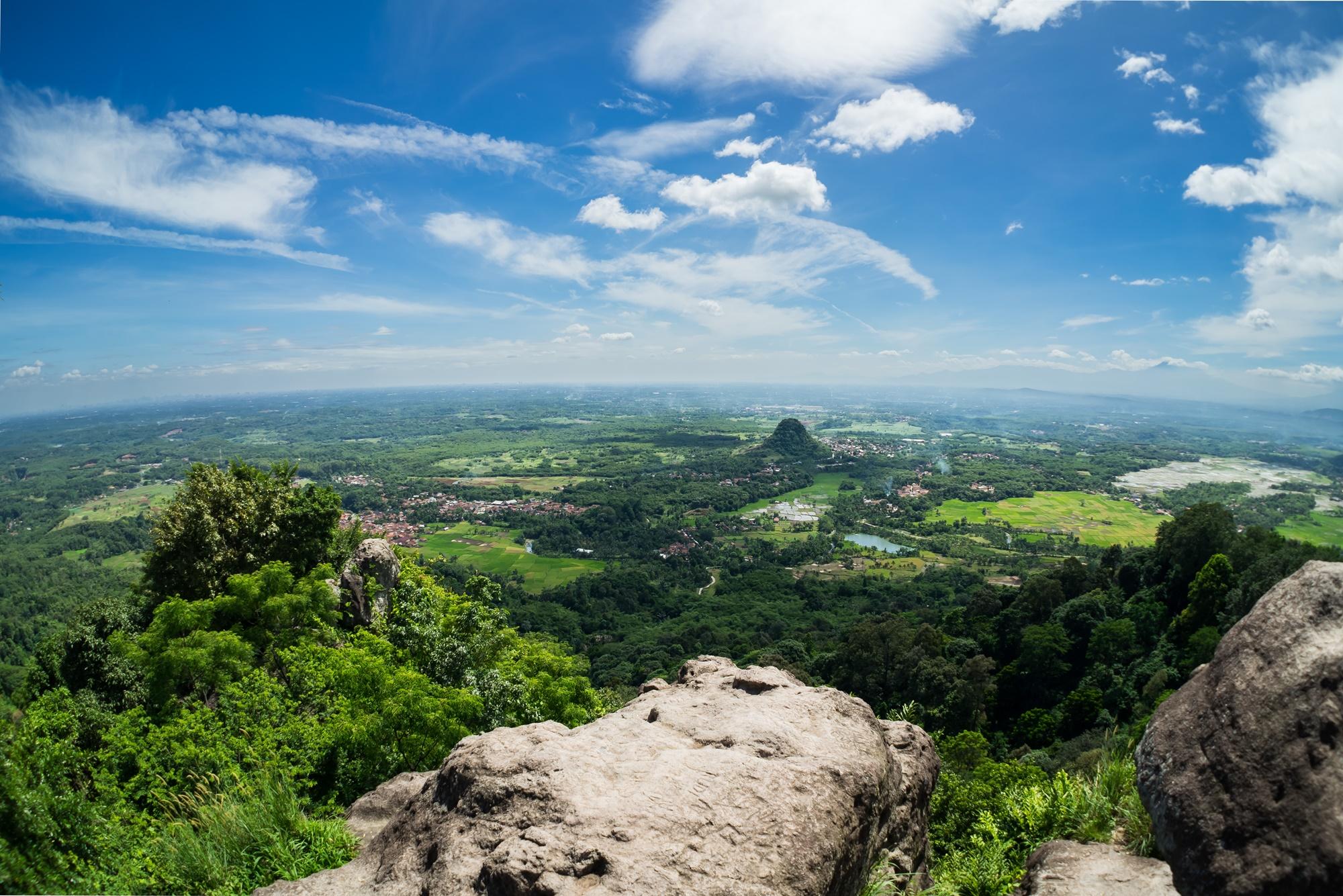 Panorama Bogor dari puncak Munara