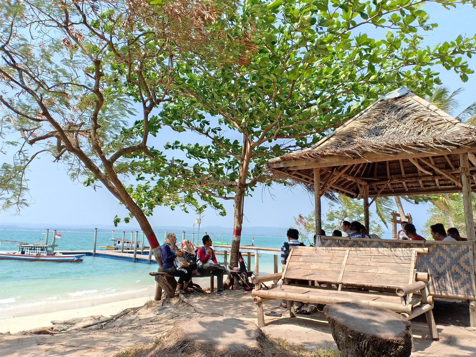 Kebersamaan di Pulau Liwungan