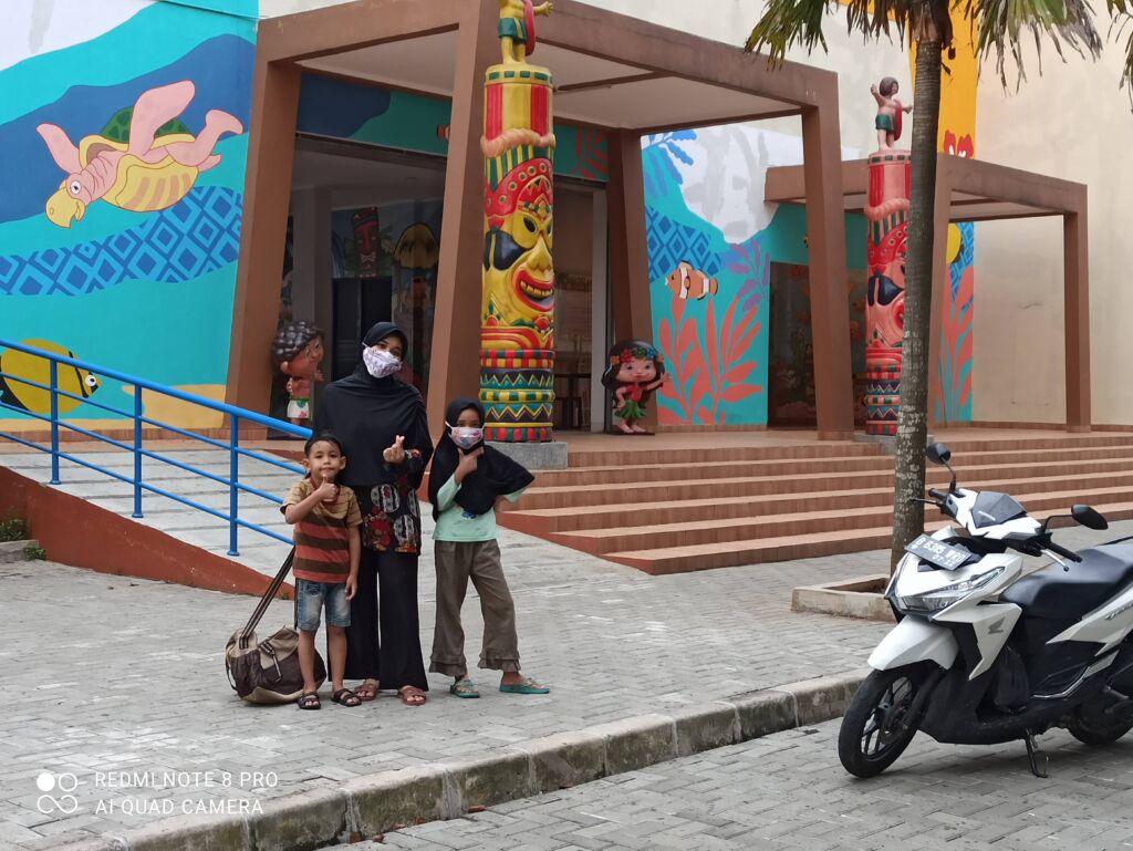 Spot Foto Pintu Masuk Waterpark Bekasi