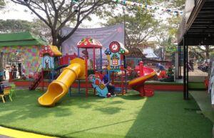 Arena Playground Di Rainbow Lake